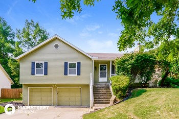 7609 NW Belvedere Pkwy 3 Beds House for Rent Photo Gallery 1