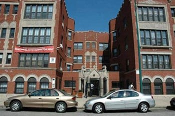 4655 S. Lake Park 1-3 Beds Apartment for Rent Photo Gallery 1