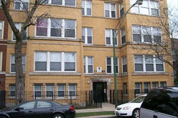 4737-9 & 4746-8 S. Ingleside 1-5 Beds Apartment for Rent Photo Gallery 1
