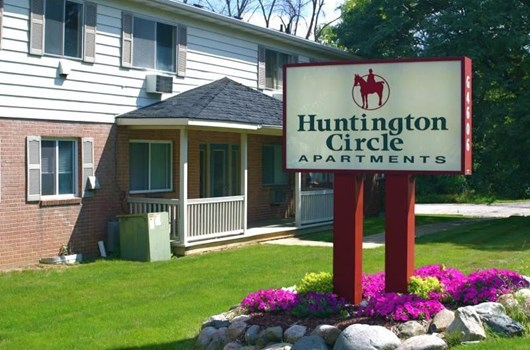 Huntington Circle Community Thumbnail 1