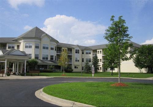 Cedarwood Apartments Community Thumbnail 1