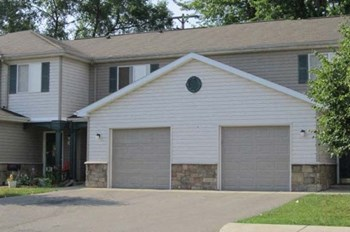 100 Rosewood Manor Drive 2-3 Beds Apartment for Rent Photo Gallery 1