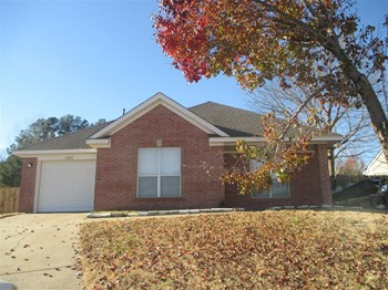 4226 Appian Way 3 Beds House for Rent Photo Gallery 1
