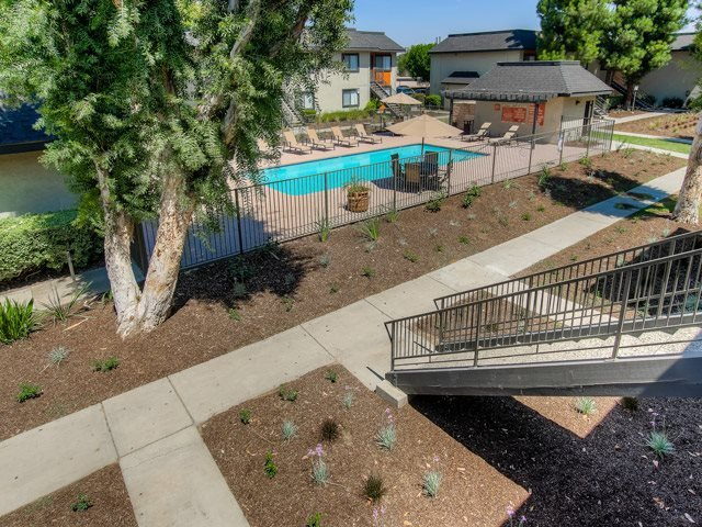 Beautiful Walking Trails at Riverwalk Landing Apartment Homes, California, 92505
