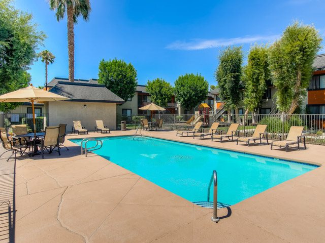 Seasonal Beautiful Outdoor Swimming Pool at Riverwalk Landing Apartment Homes, California, 92505