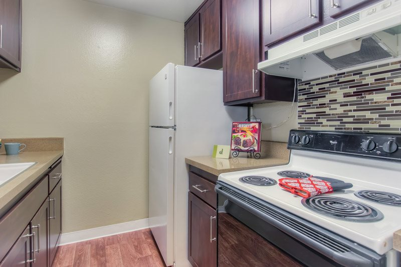 Gourmet Kitchen with Breakfast Bar and Pantry at Chatsworth Pointe Apartments, California, 91304