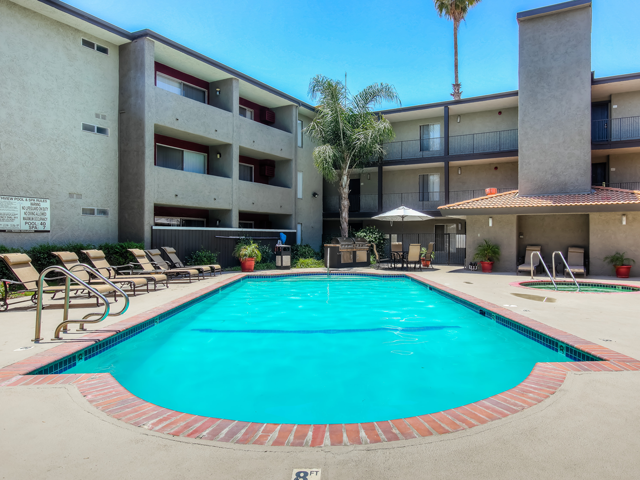 Resort-Style Zero-Entry Poolat Nortview-Southview Apartment Homes, CA, 91335