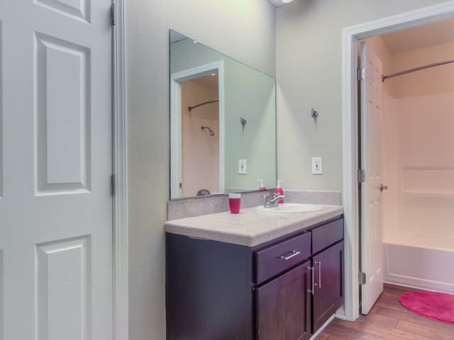 Spacious Bathrooms With Garden Tub at Nortview-Southview Apartment Homes, 8111 Reseda Boulevard