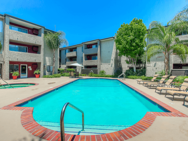 Seasonal Beautiful Outdoor Swimming Pool at Nortview-Southview Apartment Homes, Reseda, 91335