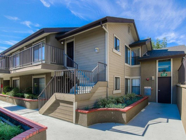 Resort Style Community at Independence Plaza Apartments, California, 91304