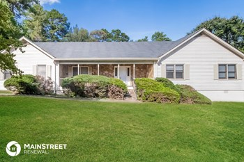 1200 Great Oaks Dr SE 3 Beds House for Rent Photo Gallery 1