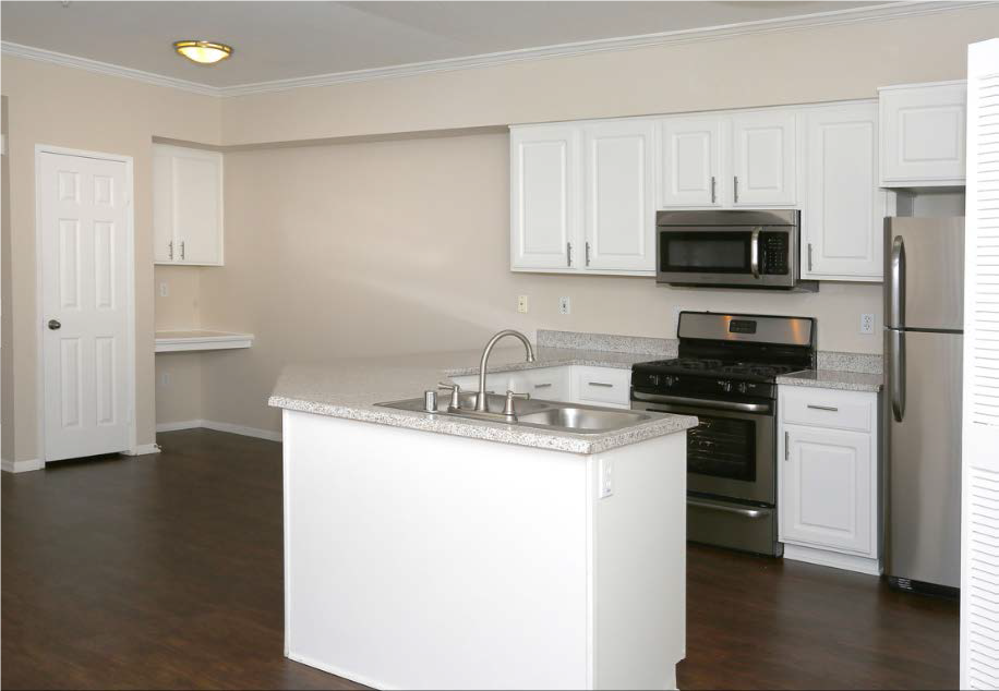 New Countertops and Cabinets at Estancia Apartment Homes