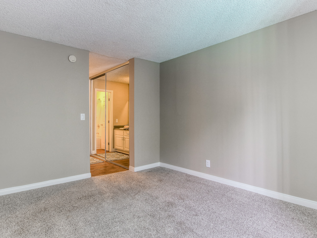 Wall-to-Wall Carpeting at Twenty 2 Eleven Apartments, 20211 Sherman Way, CA 681378