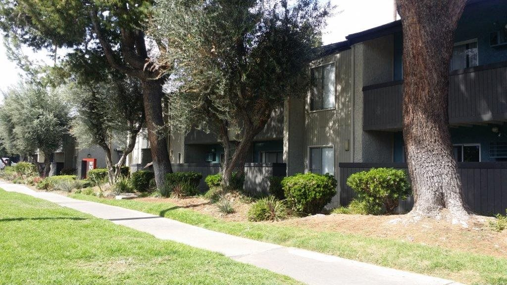 Walking Trails at Twenty 2 Eleven Apartments, Canoga Park, CA, 91306