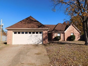 7970 Wentworth Dr 3 Beds House for Rent Photo Gallery 1