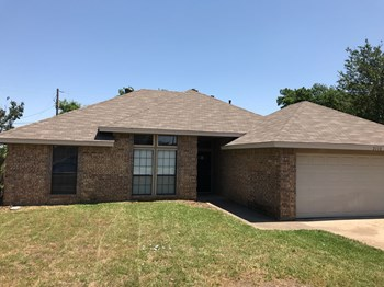 2110 Mesa Wood Dr 3 Beds House for Rent Photo Gallery 1