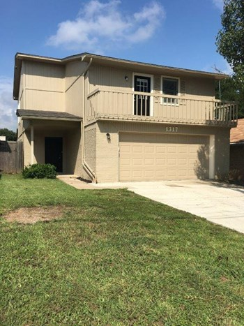 1317 Stuart Rd 4 Beds House for Rent Photo Gallery 1