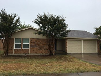6536 Meadowlark Ln E 3 Beds House for Rent Photo Gallery 1
