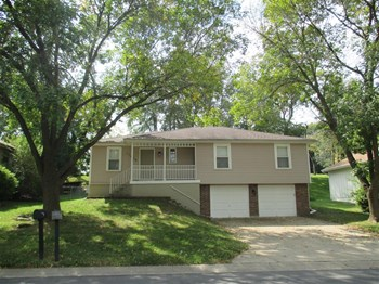 17909 E 25th Terrace S 3 Beds House for Rent Photo Gallery 1