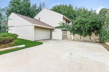 12425 Acadia Ct 3 Beds House for Rent Photo Gallery 1