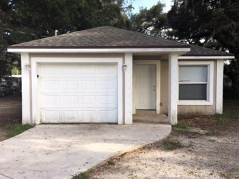 416 10th Ave E 4 Beds House for Rent Photo Gallery 1