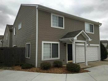 2725 Grand Fir Dr 3 Beds House for Rent Photo Gallery 1