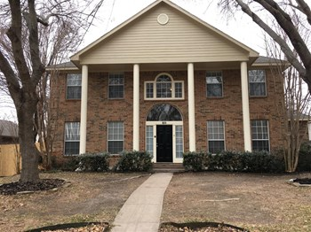 821 Courson Dr 4 Beds House for Rent Photo Gallery 1