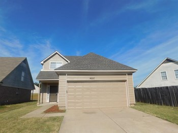 4697 Royal View Dr 3 Beds House for Rent Photo Gallery 1