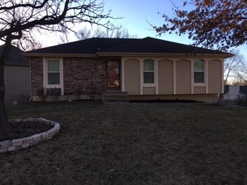 1523 NE Westwind Dr 3 Beds House for Rent Photo Gallery 1