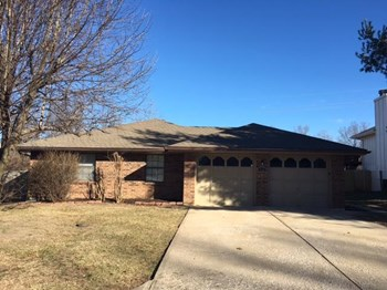 309 NW Sherwood Dr 3 Beds House for Rent Photo Gallery 1