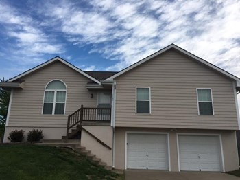 1100 Cone Flower St 3 Beds House for Rent Photo Gallery 1