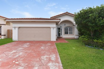 16901 SW 141st Ct 3 Beds House for Rent Photo Gallery 1