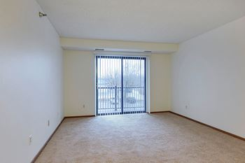 820 West Main Street 1 Bed Apartment for Rent Photo Gallery 1