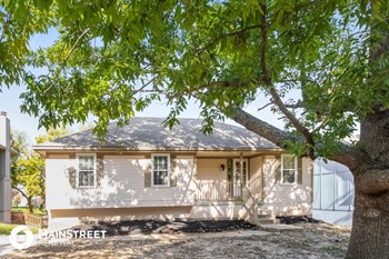 3909 NW Hidden Pointe Dr 3 Beds House for Rent Photo Gallery 1