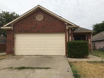 1007 Hayworth Ave 4 Beds House for Rent Photo Gallery 1