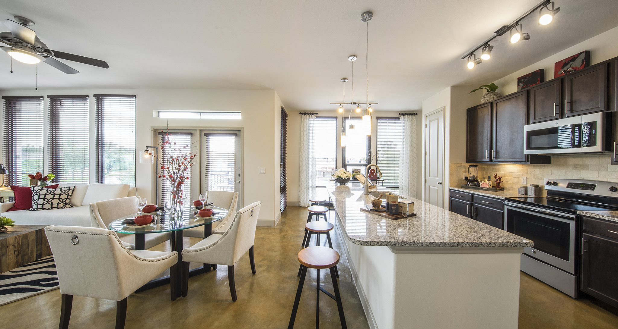 Allusion at West University | Apartments in Houston, TX