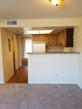 3730 W Bay Avenue 1-2 Beds Apartment for Rent Photo Gallery 1