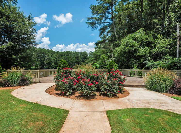 Landscaping at Fields Peachtree Retreat Apartments in Peachtree Corners GA