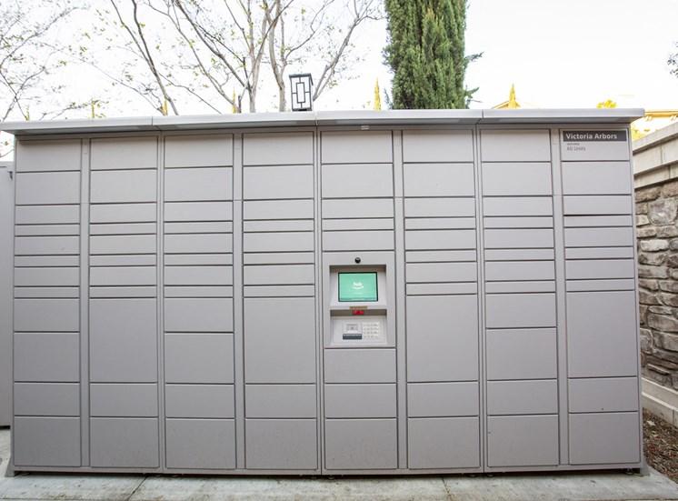 Outdoor package lockers