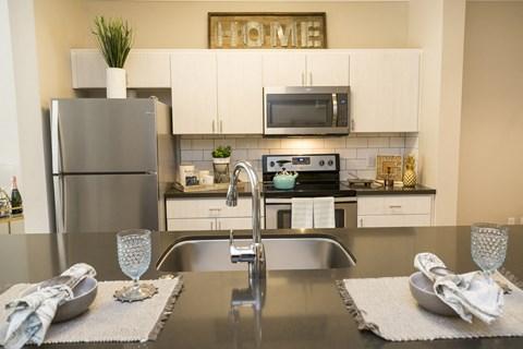 Rancho Cucamonga Apartments - Victoria Arbors Apartment Kitchen