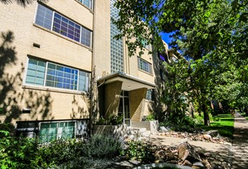 929 Marion Street Studio-1 Bed Apartment for Rent Photo Gallery 1