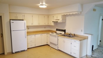 903 Elsie St 2 Beds Apartment for Rent Photo Gallery 1