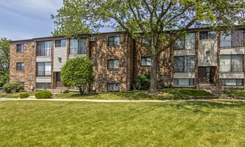 148 Gladstone Dr Apt 101 2 Beds Apartment for Rent Photo Gallery 1