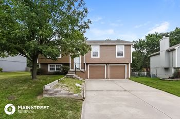 20233 E 17th Street Ct N 3 Beds House for Rent Photo Gallery 1