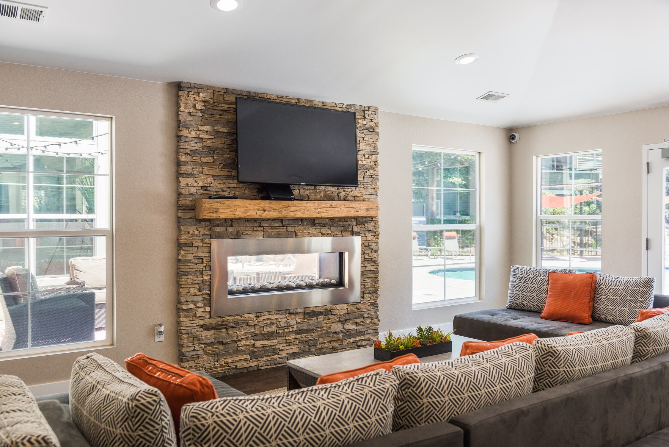Resident lounge at Conifer Creek Apartments in Aurora, CO