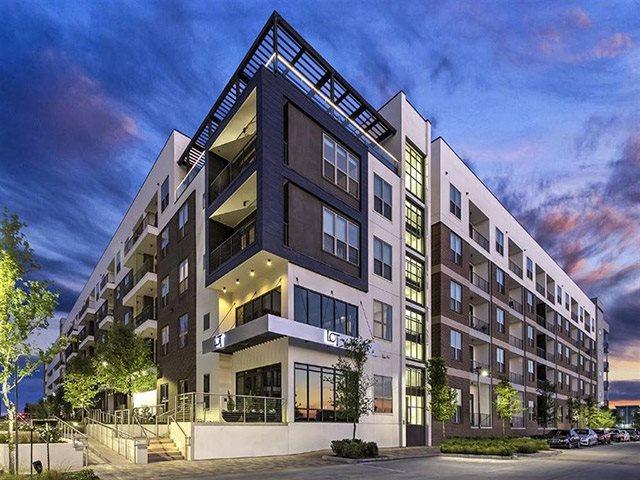 Luxury Apartments at Windsor CityLine