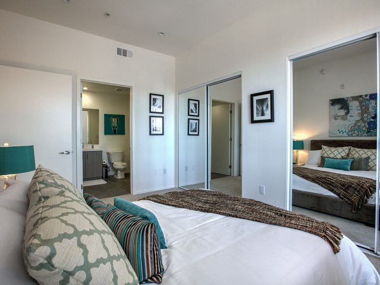 Attached Bathroom, Legendary Glendale Apartments in California, 91203