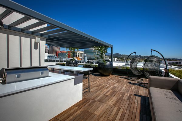Rooftop Grilling and Relaxation Station, 300 N Central Ave Legendary Glendale, Apartments in Glendale, CA