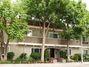 11151 Aqua Vista Street Studio Apartment for Rent Photo Gallery 1