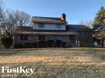 5255 Roxbury Rd 3 Beds House for Rent Photo Gallery 1